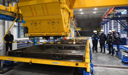 На модернизируемом Ростокинском заводе ЖБК выпущены тестовые панели для новых серий домов